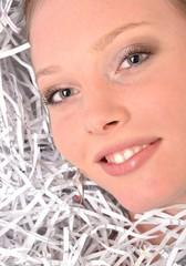 femme avec papier