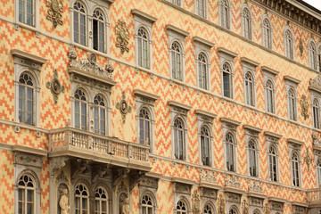 Trieste, facciata di palazzo storico