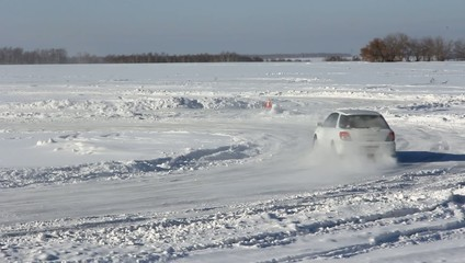 Vehicles traveling along the slippery winter roads. HD H.264