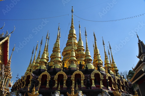 grand golden pagoda in the north of thailand
