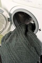 lavatrice e maglioni di lana