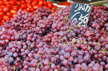 Close up of grapes on market stand