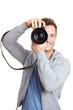 Lächelnder Mann mit Digitalkamera