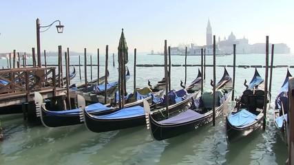 venezia  gondole isola san giorgio