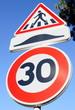 limitation 30, ralentisseur et piéton