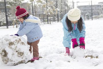 雪だるまと姉妹