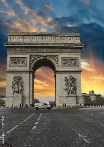 Colors of Sky over Triumph Arc, Paris