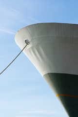 mooring a ship with a rope