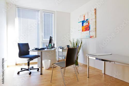 Leinwanddruck Bild Modernes, helles Sprechzimmer