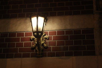 sokak lambası duvarda