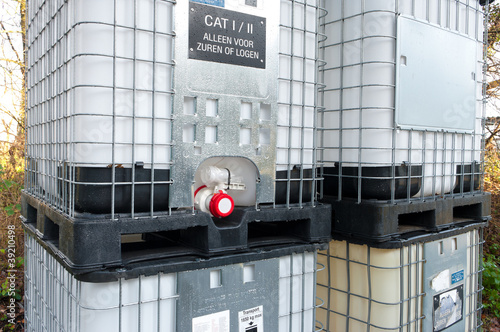 chemical containers - 39210498