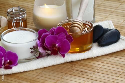 Kosmetik mit Milch und Honig