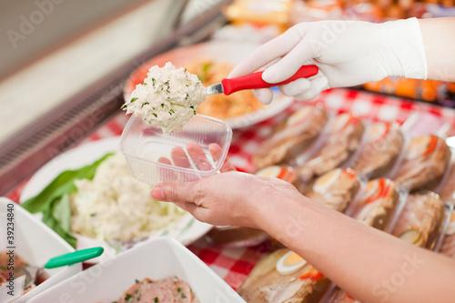 Arbeiten in einer Metzgerei oder Fleischerei
