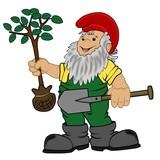 Gartenzwerg mit  Baum und Spaten