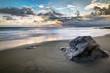 Plage de sable noir au crépuscule - Réunion