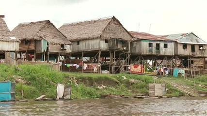 Slums am Amazonas, Peru