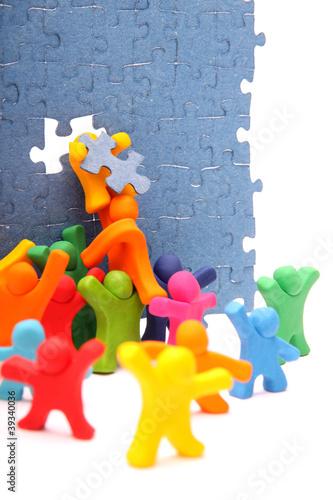 Zusammen reparieren wir die Puzzlewand