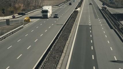 Autostrada senza traffico, timelapse