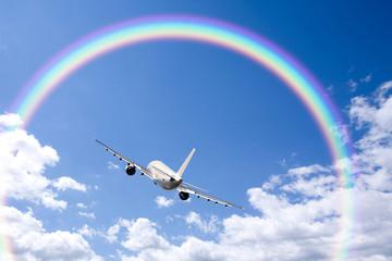 旅客機と雲と虹