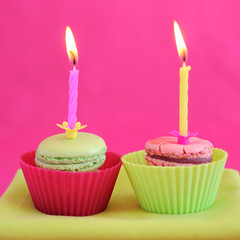 macarons et bougies en rose et vert