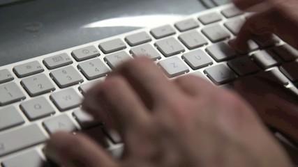 Tastatur mit Email schreiben und Chat