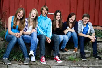 2011 Schüler auf Bank