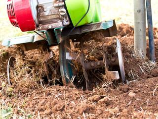 diging