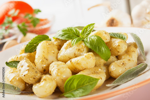 Gnocchi di patata with basilico and pesto