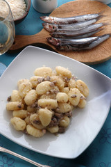 汤团与沙丁鱼 Njoki s sardelami