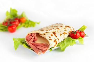 piadina al prosciutto e formaggio