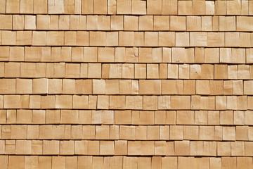 Neue Holzschindeln