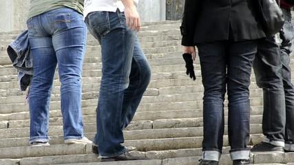 piernas escaleras