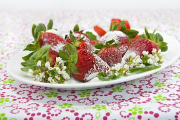Fresas con edulcorante granulado.