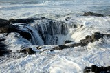 Fototapety Wave Crashes Down Thor's Well