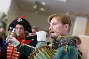 Hussar speaking toast