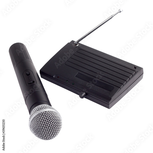 wireless radio microphone with receiver station antenna isolated
