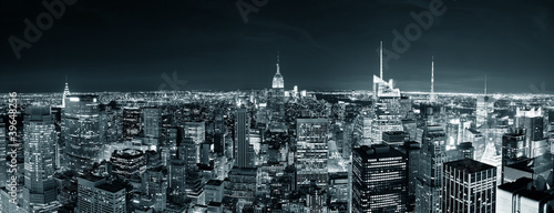 new-york-city-manhattan-skyline-w-nocy