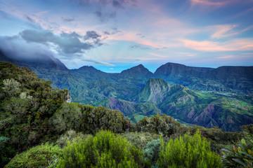Aube sur le Cirque de Salazie - Ile de La Réunion