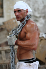 UOMO IN CANTIERE