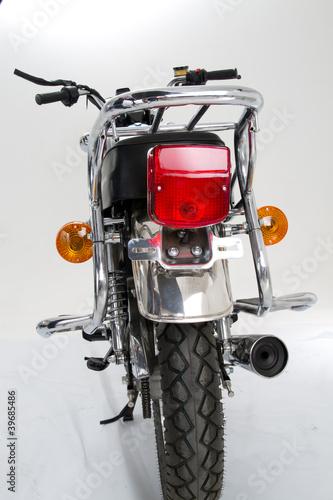 widok-z-tylu-motocykla