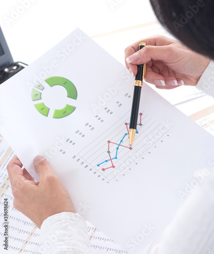 Stock market graphs monitoring. Accounting