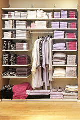 Towels shelf