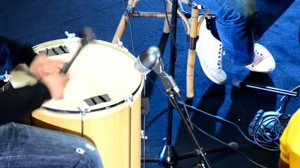 musicien au tambour