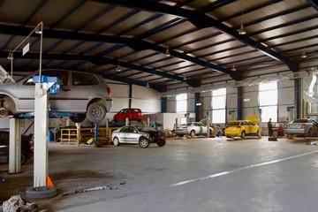 Auto garage service