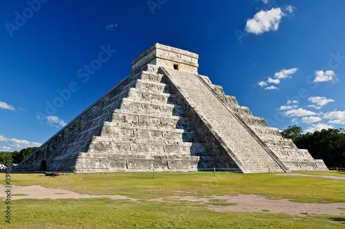 Canvas Rudnes Mayan Ruin - Chichen Itza Mexico