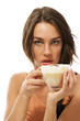 junge frau mit einer tasse cappuccino