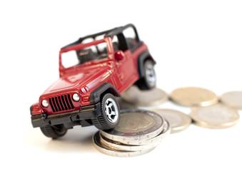 voiture rouge sur de l'argent