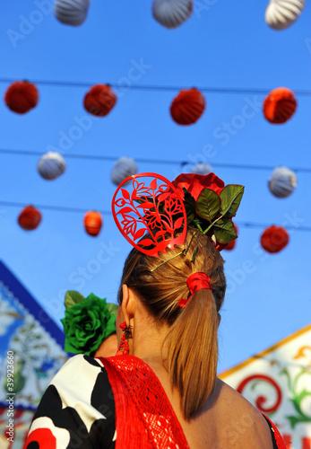 Mujer con peineta en la Feria