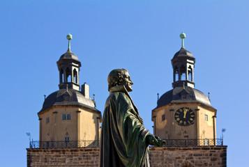 Melanchthon im Hintergrund Stadtkirche