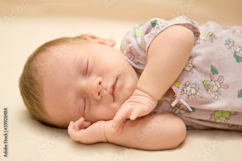 Leinwandbild Motiv sleeping newborn baby